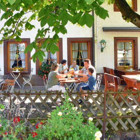 Biergarten in Hausach, Hirsch - d'Monika